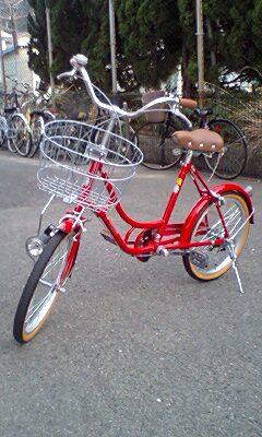 あの娘〜が乗っていた〜真っ赤な〜自転車〜♪